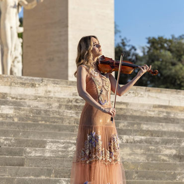 Anna Tifu: one of the leading violinist of her generation